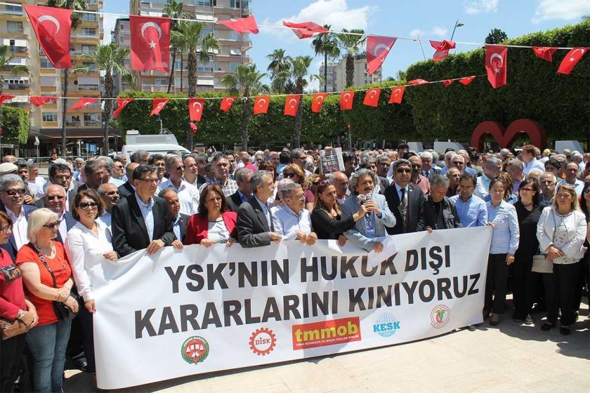İstanbul'daki sendikacılardan YSK kararına tepki