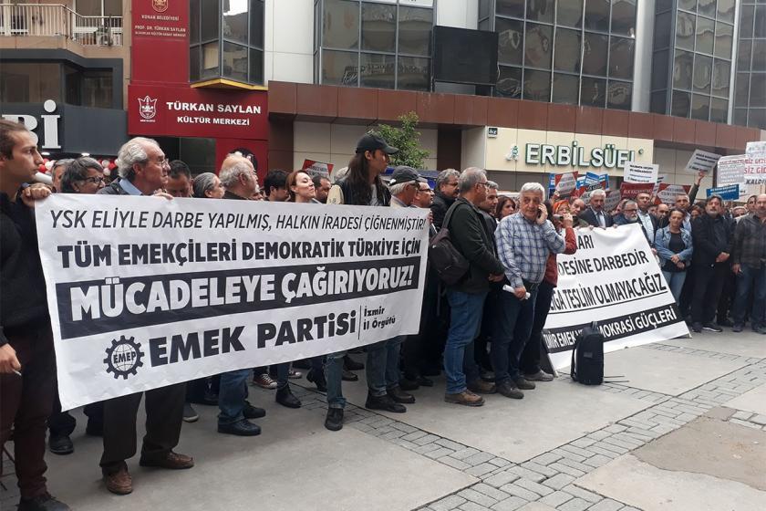 İzmir'de adalet nöbeti sürüyor: Karanlığa teslim olmayacağız
