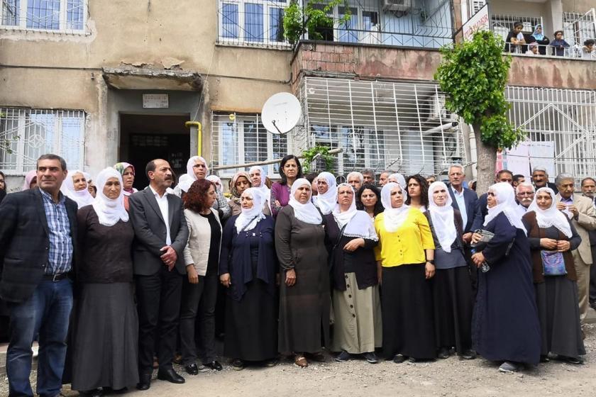 Açlık grevinde olan tutukluların anneleri: Çözüm istiyoruz!