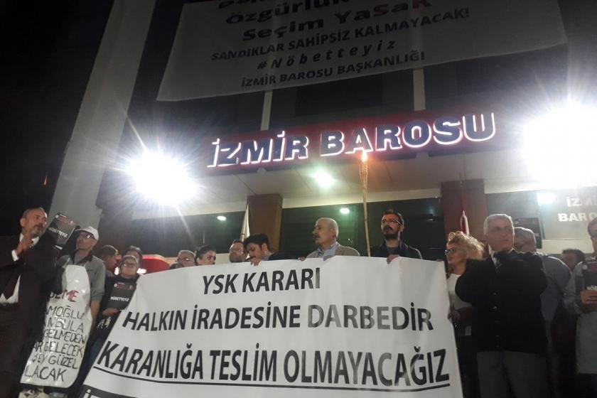 İzmir'de adalet nöbetine yerel yönetimlerden destek
