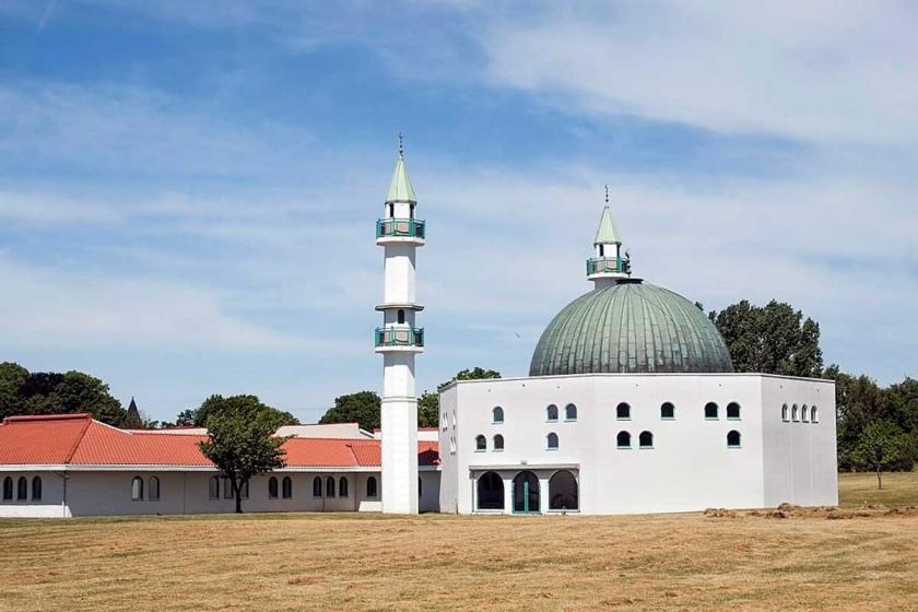 İsveç'te 'terörü özendirdikleri' iddiasıyla 3 imam gözaltına alındı
