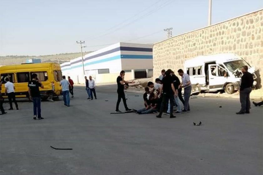 Antep'te işçi servisleri çarpıştı: 9 işçi yaralı