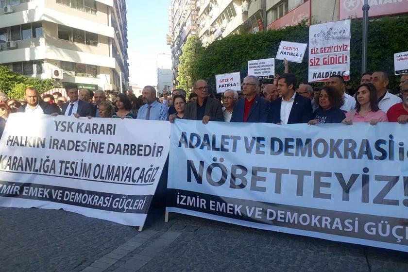 İzmir Emek ve Demokrasi adalet nöbetini sürdürüyor