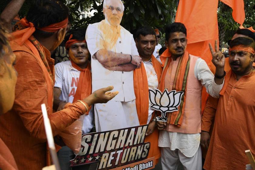 Hindistan'da seçimlerin galibi Başbakan Modi'nin partisi oldu
