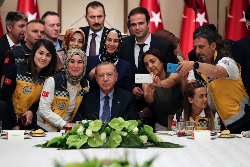 Erdoğan: 29 bin 689 sağlıkçıyı kamuda istihdam etme sürecini başlattık