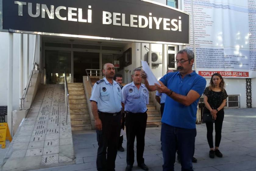 Dersim Belediyesinde görevli 6 zabıta, valinin talimatıyla gözaltına alındı
