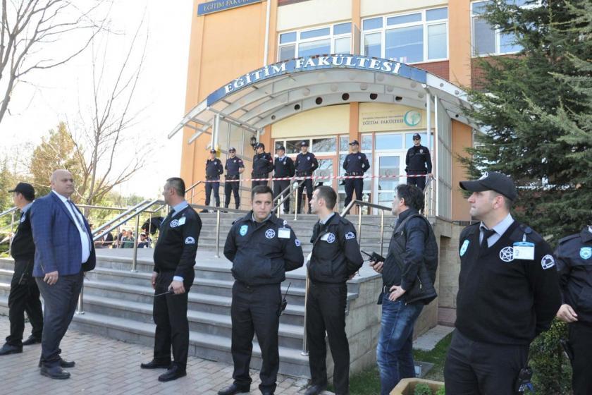 Eskişehir Üniversitesi'nde 4 akademisyeni öldüren katil duruşmada olay çıkardı