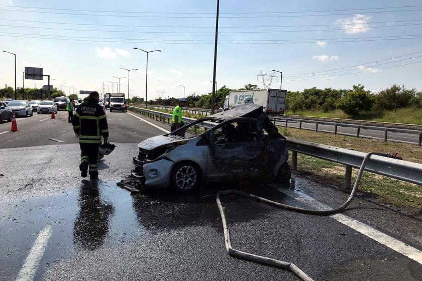 Çorlu'da tır ile çarpışan otomobil yandı: 5 kişi hayatını kaybetti