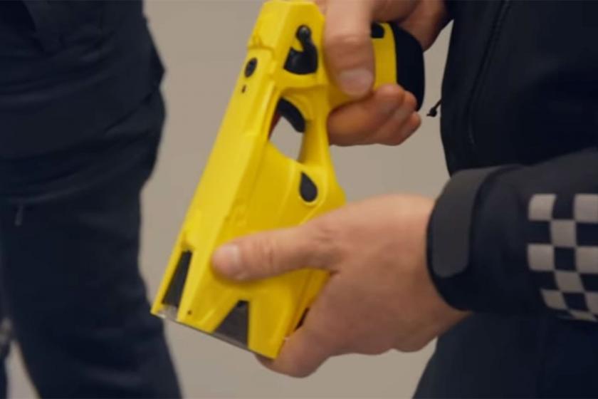 Norveç'te elektroşok silahı yine gündemde