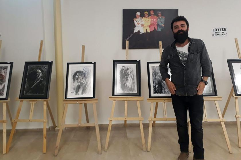 Ressam Necat Karakaya: Bir tablo için bin adet kağıttan mürekkep söktüm