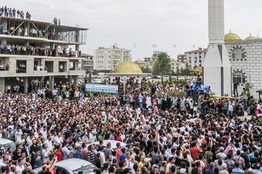 Eski IŞİD'li el Sarut için Reyhanlı'da kitlesel cenaze töreni!