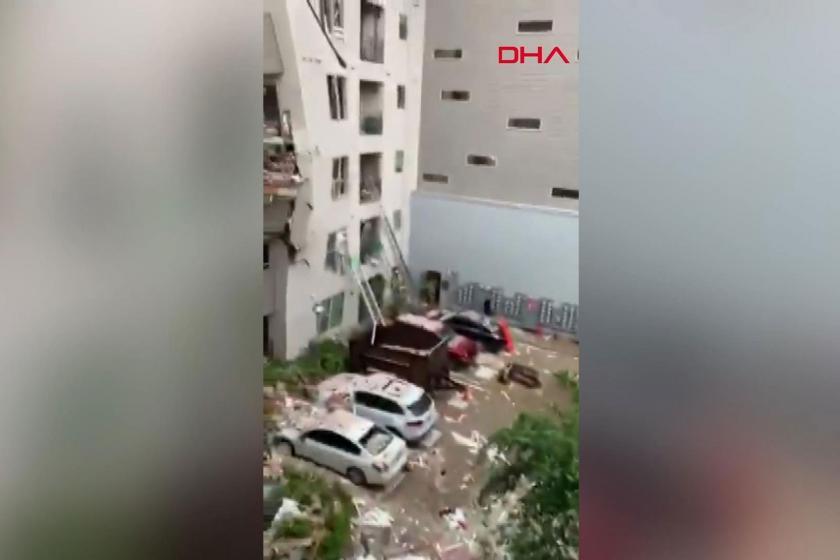 ABD'de vinç apartmanın üzerine devrildi: 1 ölü, 6 yaralı