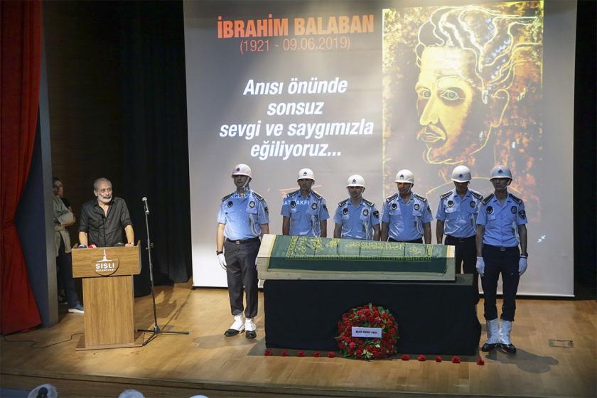 Ressam İbrahim Balaban son yolculuğuna uğurlandı