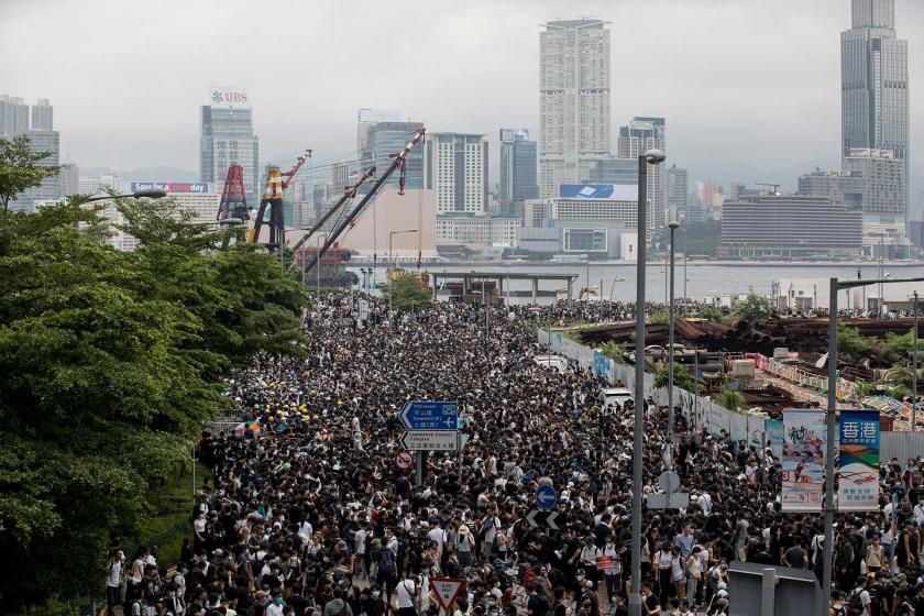 Hong Kong'da 'Şüphelilerin Çin'e iadesi' yasasına karşı protesto sürüyor