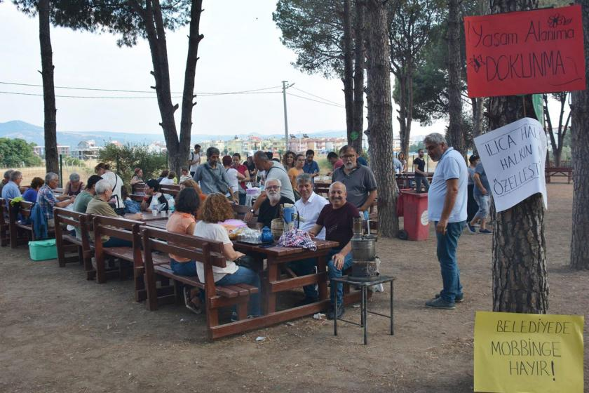 Bergama'daki alkol yasağına piknikli protesto: Yasak değil hizmet istiyoruz