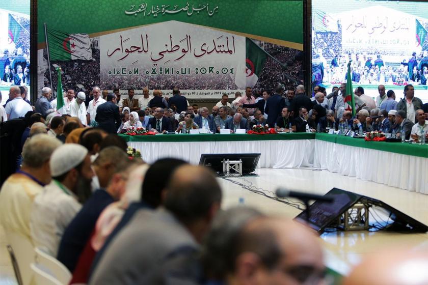Cezayir'de muhalefet partileri diyalog şartlarını açıkladı