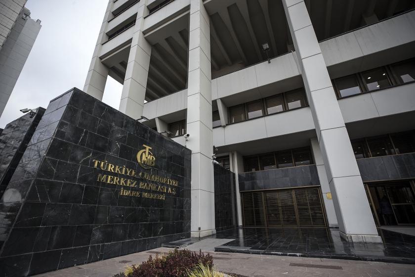 Erdoğan, suçu görevden alınan Merkez Bankası Başkanı Çetinkaya'ya attı