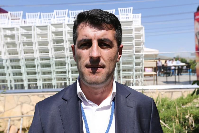 Karayazı Belediyesi Eş Başkanı ve meclis üyeleri gözaltına alındı