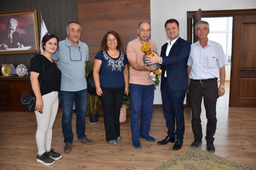 Emek Partisi heyeti Menemen Belediye Başkanı'nı ziyaret etti