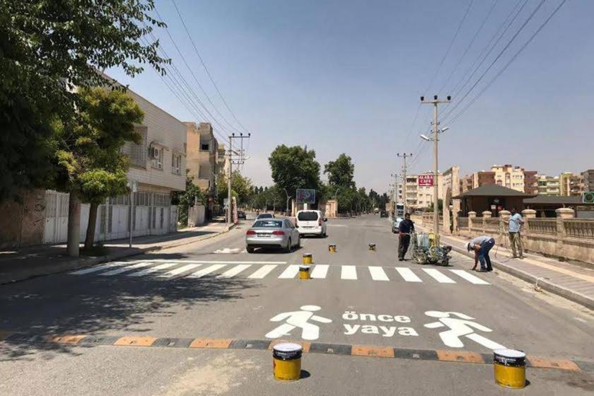 Ömerli'de Kürtçe yol yazısına polis engeli