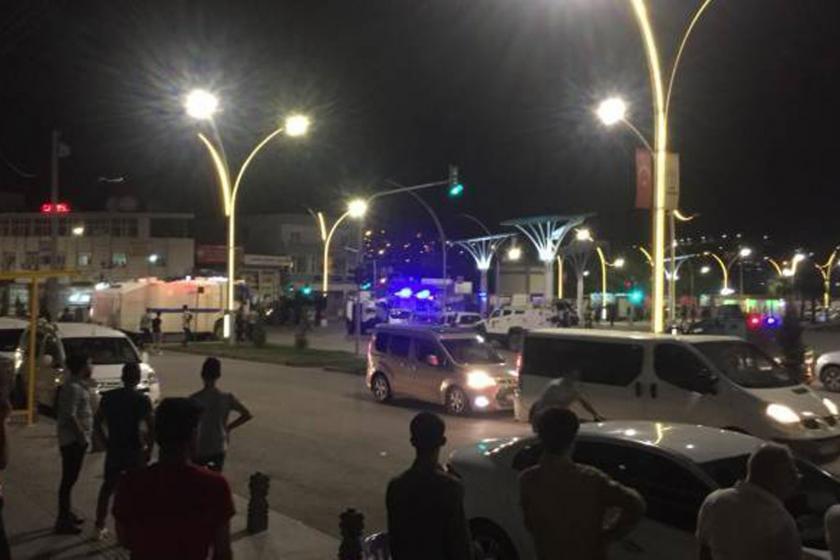 Cizre'de devriye gezen bekçilere saldırı: 4 kişi yaralandı