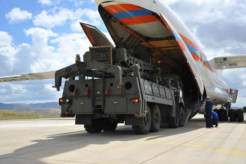 Rusya'dan alınan S-400'lerin ilk parçaları Ankara'ya geldi