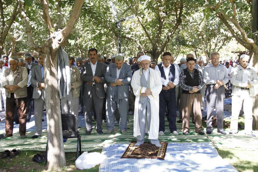 Sivil cuma namazı kıldıran imama verilen ceza onandı
