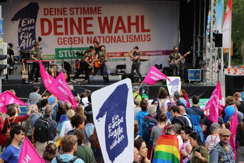 Almanya'da yeni polis yasasına tepki sürüyor: Özgürlüklerin kısıtlanmasına hayır