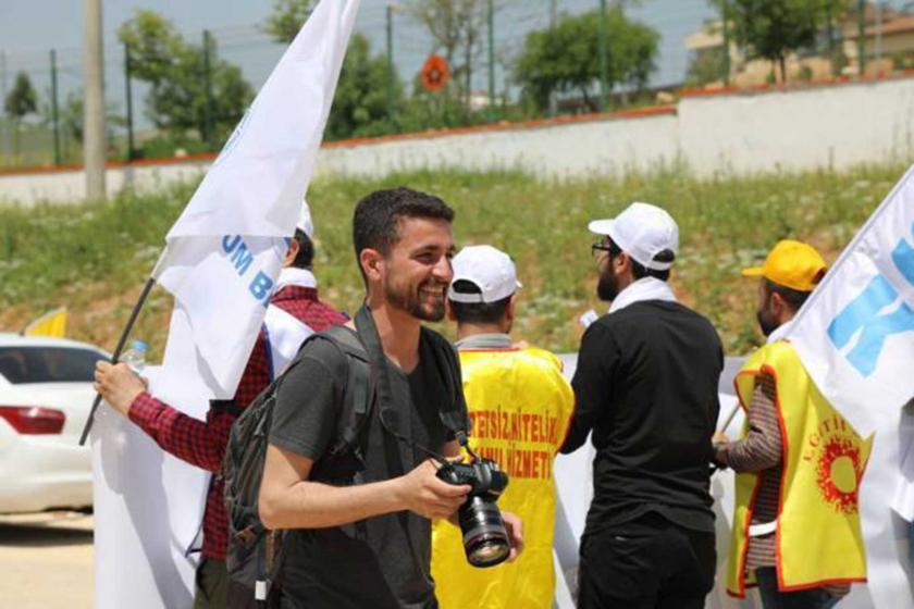 Gözaltındaki MA muhabiri Ahmet Kanbal'a ıslık müdahalesi