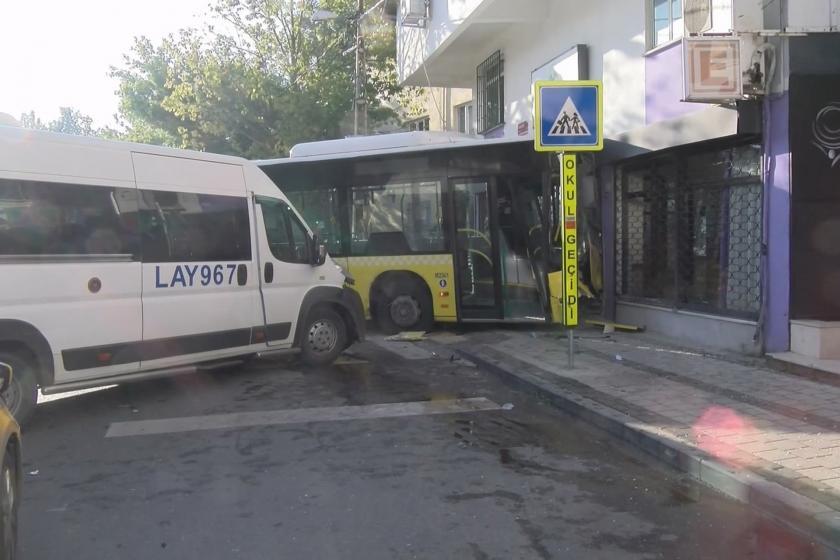 Sancaktepe'de İETT otobüsü kaza yaptı: 1 ölü, 3 yaralı