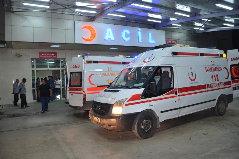 Adana'da düğünde çıkan silahlı kavgada yaralanan 2 çocuktan biri öldü