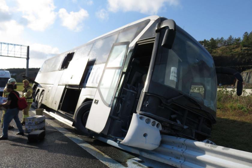 Yavuz Sultan Selim köprüsü girişinde otobüs kazası: 5 kişi yaralandı