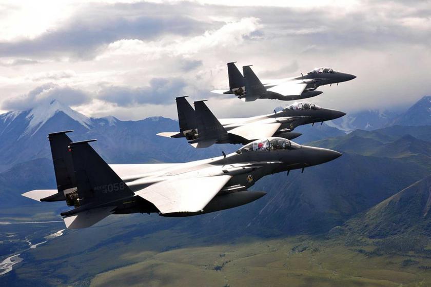 Güney Kore, hava sahasını ihlal eden Rus uçağına uyarı ateşi açtı