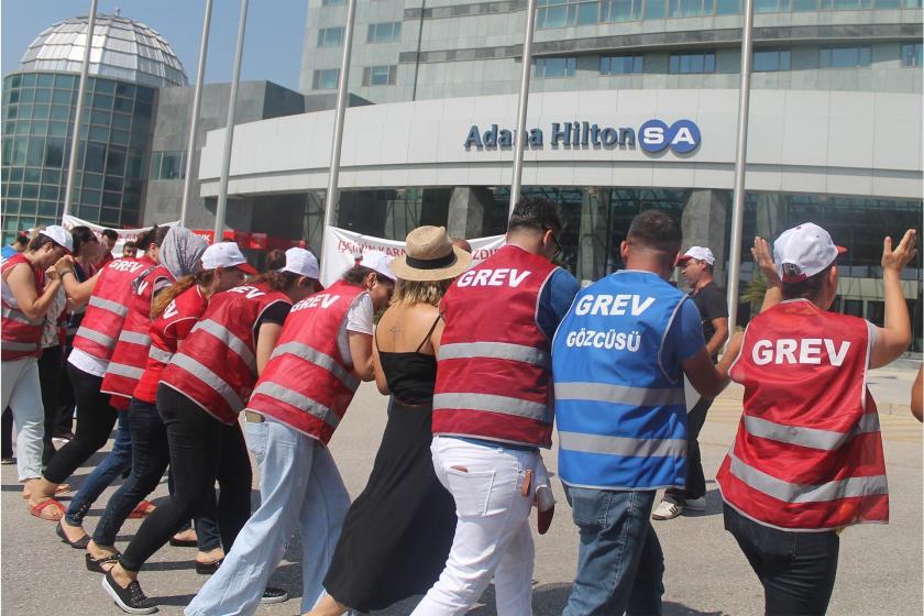 Grevdeki Hilton SA işçileri: Yöneticilere prim verdiler bize teşekkür mektubu