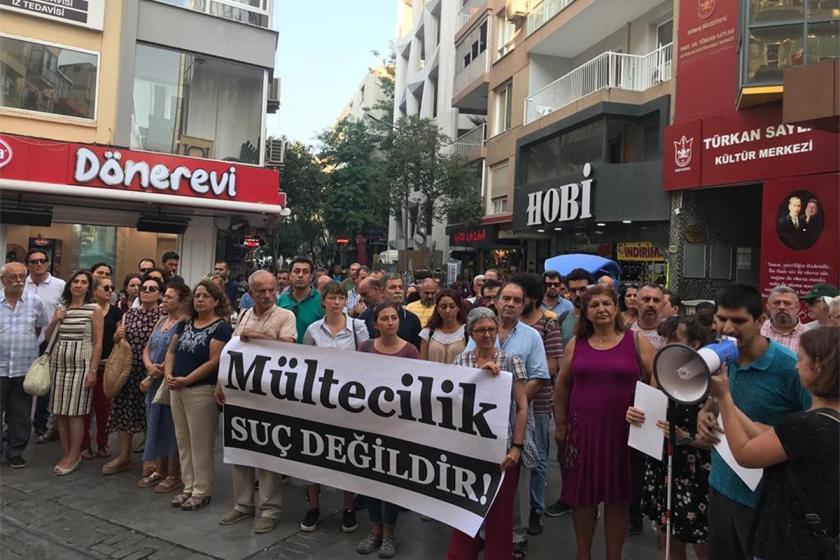 İzmir'de hükümetin mülteci politikaları protesto edildi