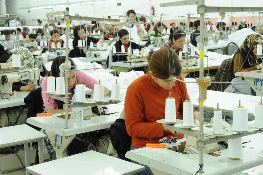 Tayeks'te işçiler kötü koşullara karşı sendikalaşma mücadelesi veriyor