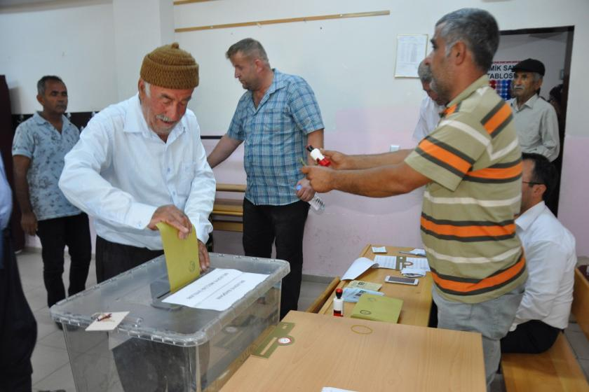 Suvarlı beldesinde yenilenen seçimi AKP adayı kazandı