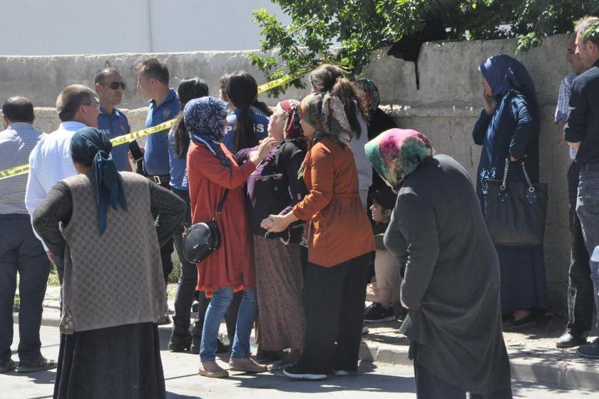 Yozgat'ta kadın cinayeti | Boşandığı eşini sokak ortasında öldürüp intihar etti