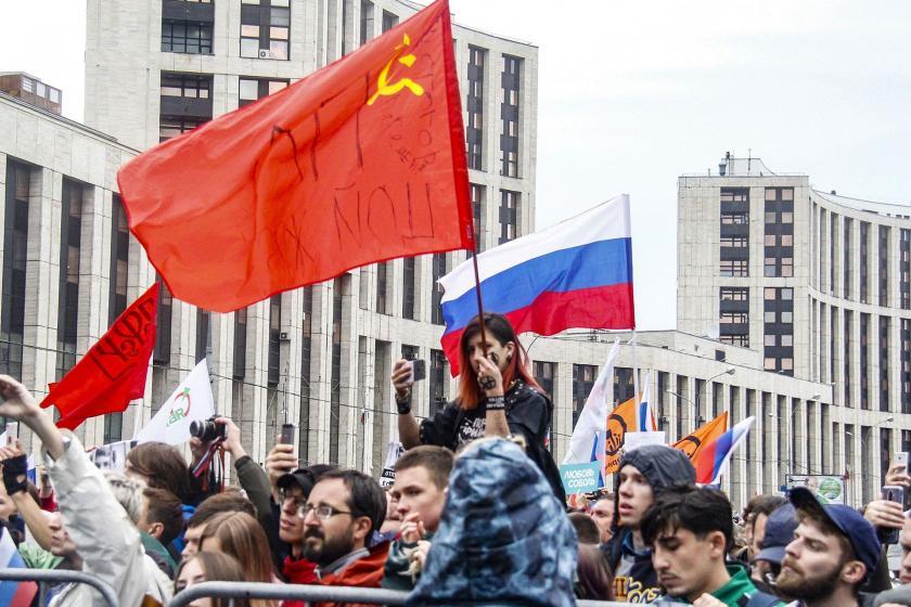 Moskova'da 'adil seçim' protestosu