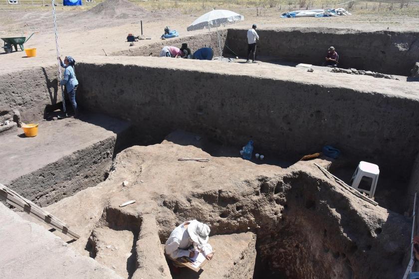 Eskişehir'de, Anadolu'nun 5 bin yıllık ilk şehir yapılanması ortaya çıkarıldı
