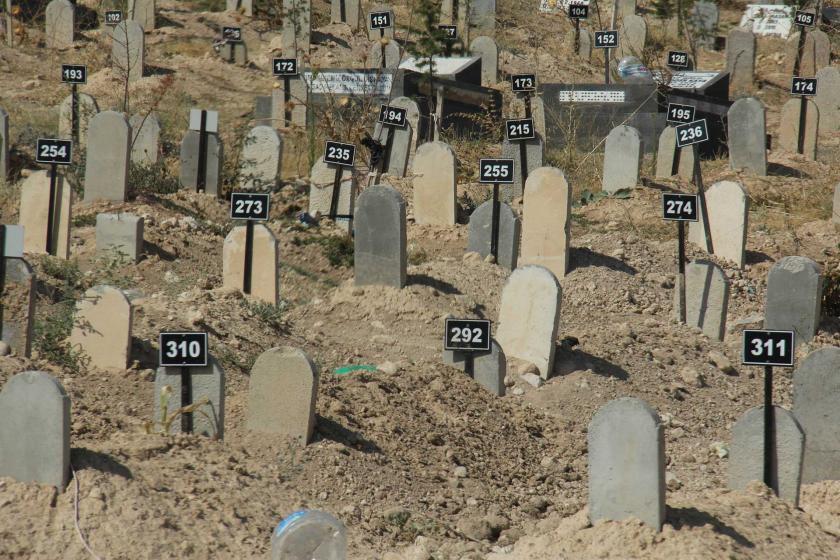 Ailelere cenazeleri verilmiyor: Ağıt yakılacak mezarları bile yok