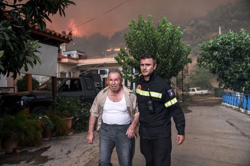 Yunanistan'da yangın: 2 köy boşaltıldı