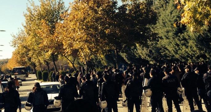 Fırat Üniversitesi'nde ırkçı saldırı