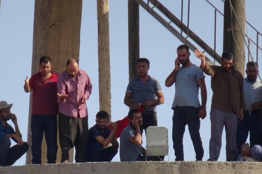 Ceylanpınar Belediyesinde işten çıkarılan işçiler eylem yaptı