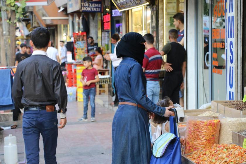 Suriye'de ölümden, Türkiye'de sınır dışı edilmekten kaçıyoruz