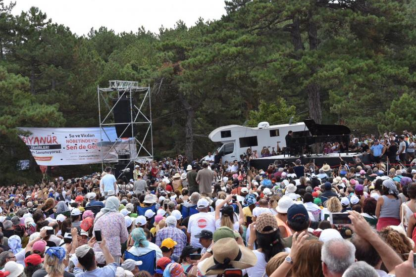 Fazıl Say Kaz Dağlarında konser verdi ile ilgili görsel sonucu