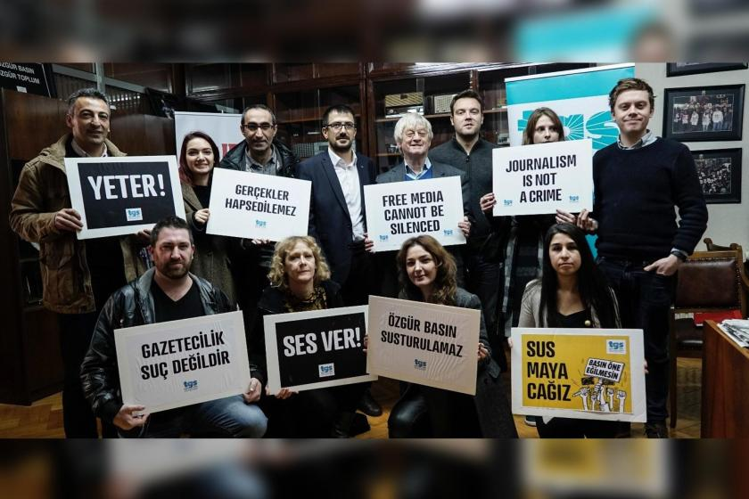 Gazeteciler bu hafta da adliye koridorlarında
