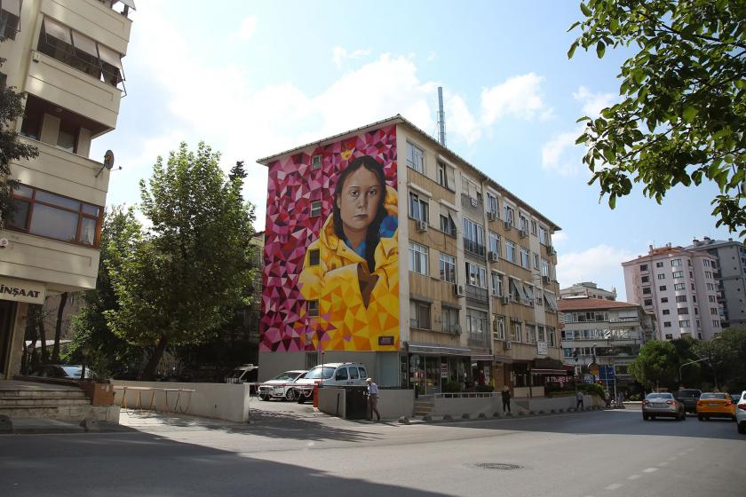 16 yaşındaki iklim aktivisti Greta Thunberg'in portresi Kadıköy duvarlarında