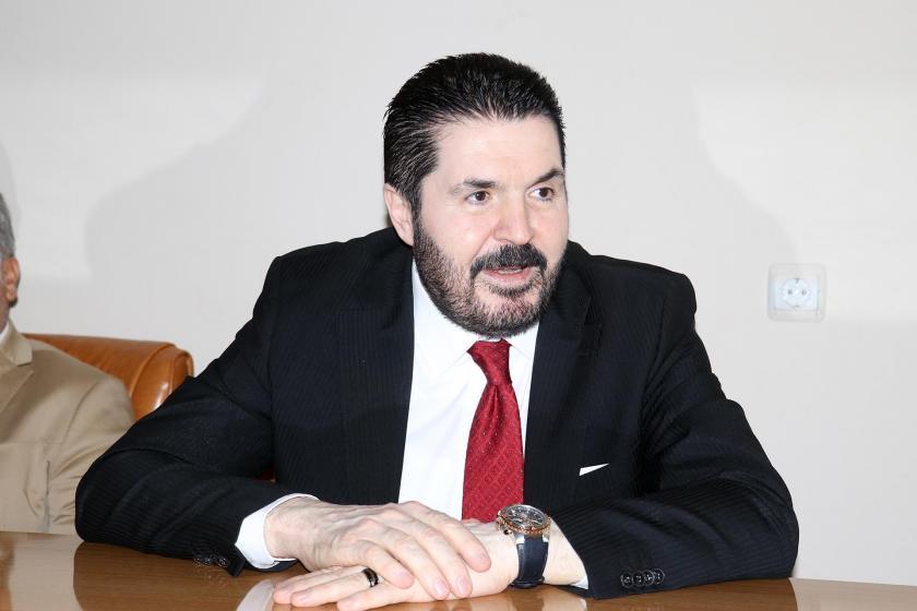 Sözleşmeyi imzalamayan Ağrı Belediye Başkanı Savcı Sayan, işçileri mağdur etti