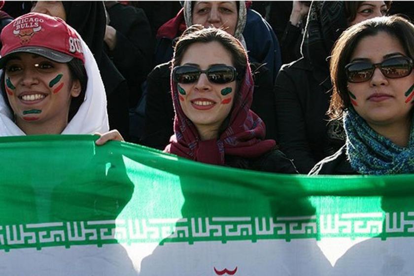 İran'da kendini yakan kadın taraftar Seher Hudayari hayatını kaybetti